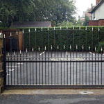 Electric sliding gate, made to measure